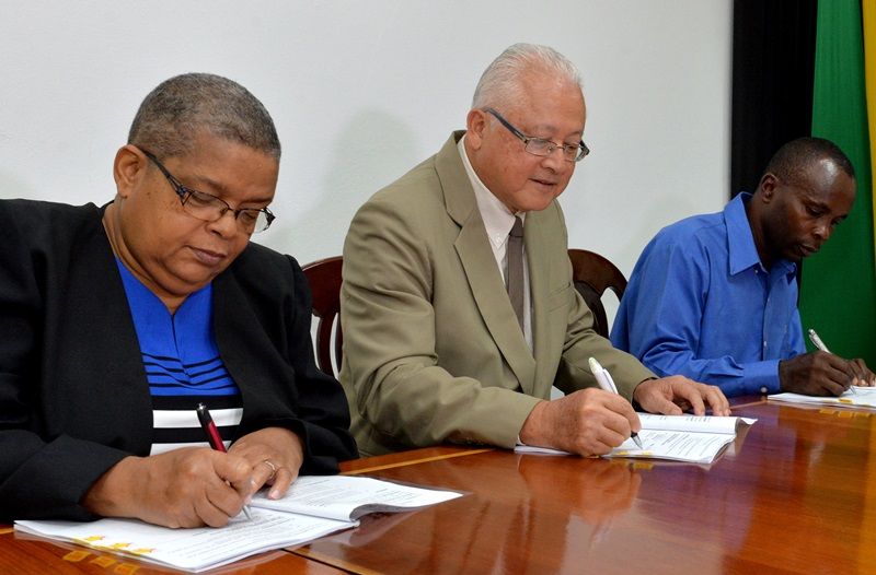 $43M contract signed to refurbish court in Spanish Town
